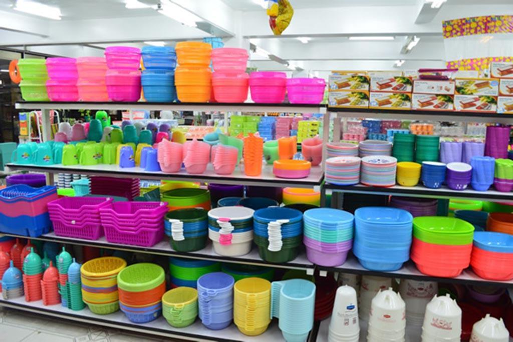 Использовать многоразовый пластик и отказаться от полиэтиленовых пакетов