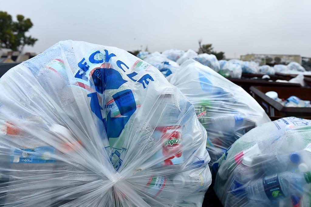 Какие пластиковые отходы выбрасываются в мусор