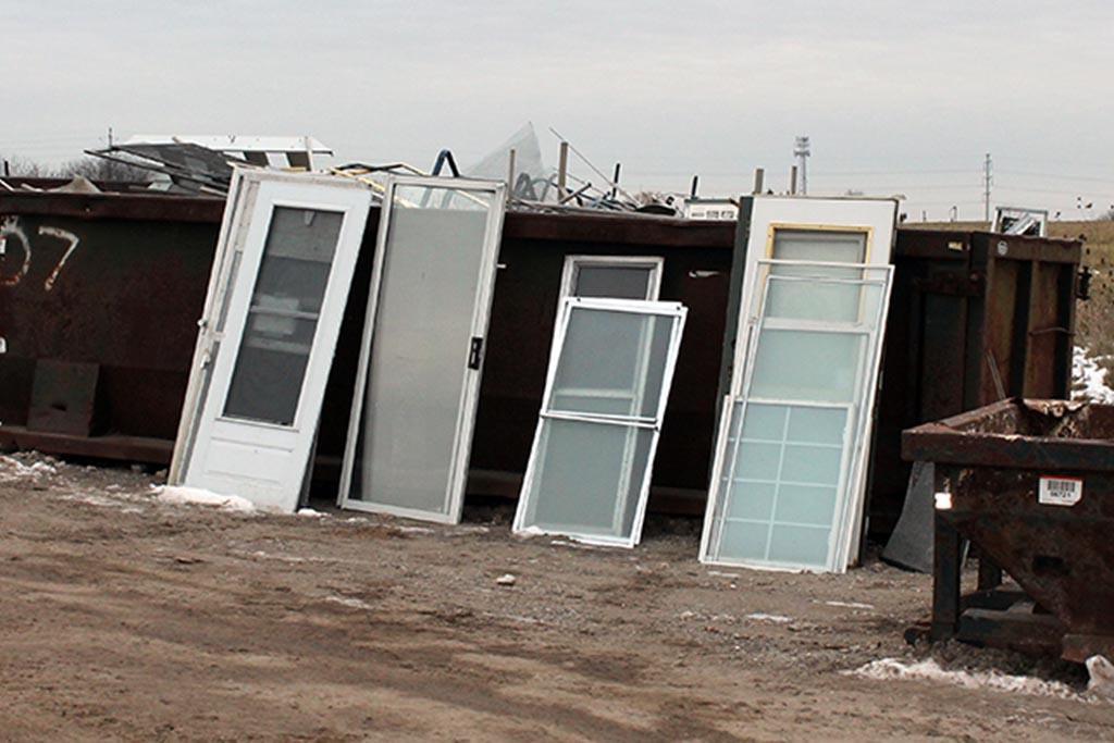 Специальные места для мусора на утилизацию