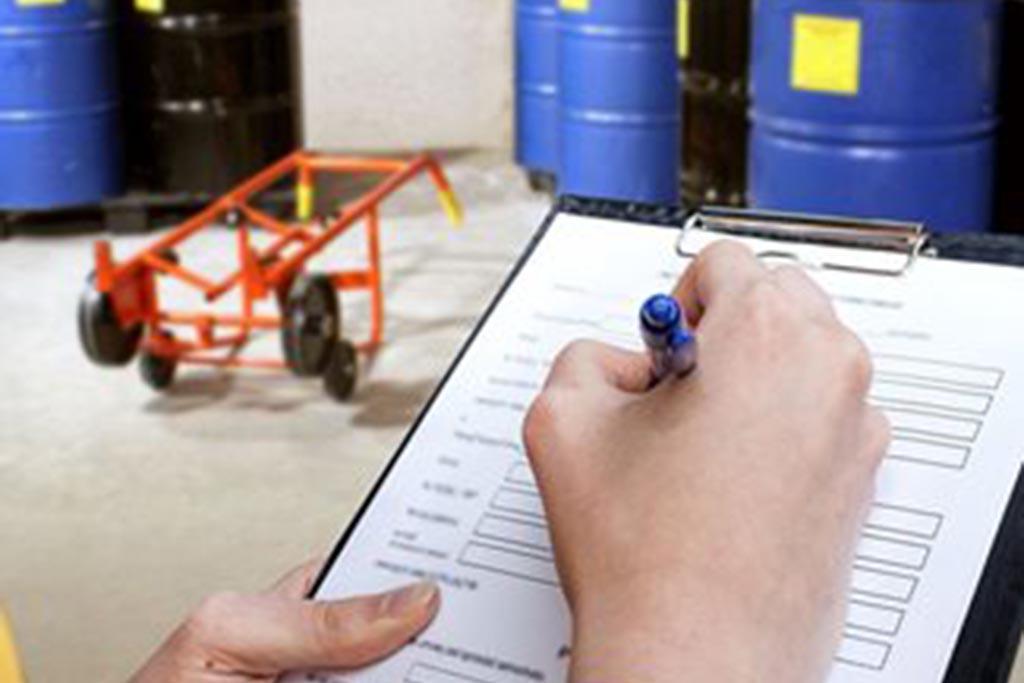 Уполномоченные лица, отвечающие за допуск персонала к работе с отходами