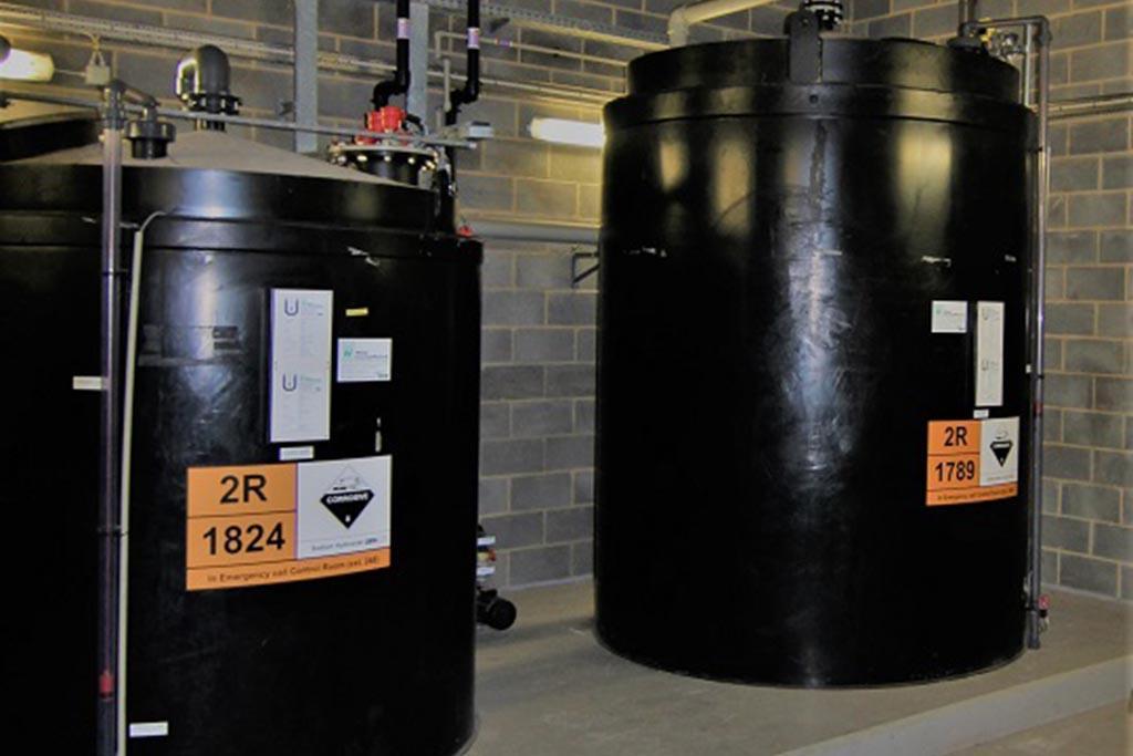 Утилизация против опасного и невыгодного хранения кислот