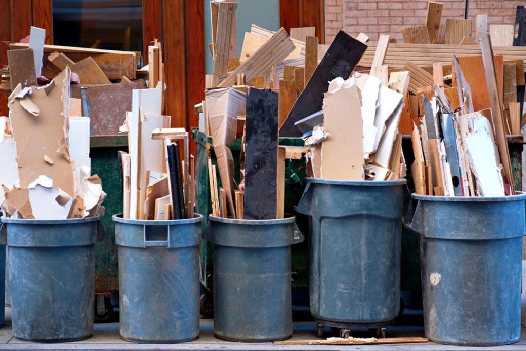Выбрасывать строительный мусор вместе с ТКО запрещается