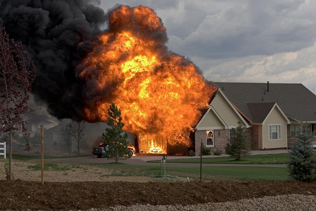 Высокий риск возгорания строительного мусора