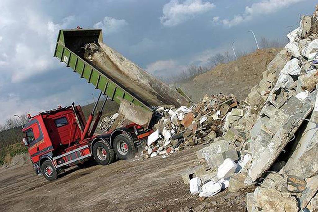 Чем отличаются промышленные отходы от бытовых