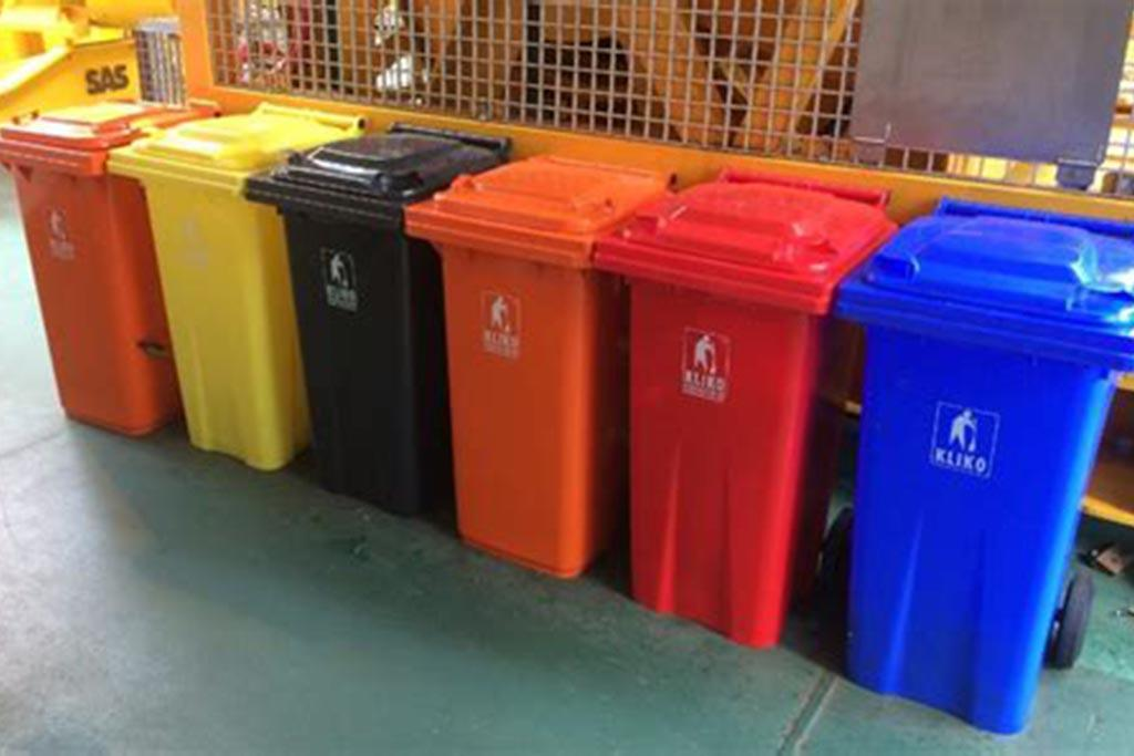 Что означают разноцветные контейнеры