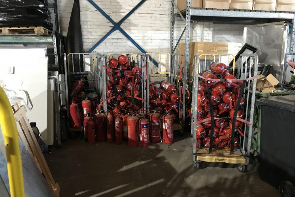 Как проводится утилизация огнетушителей