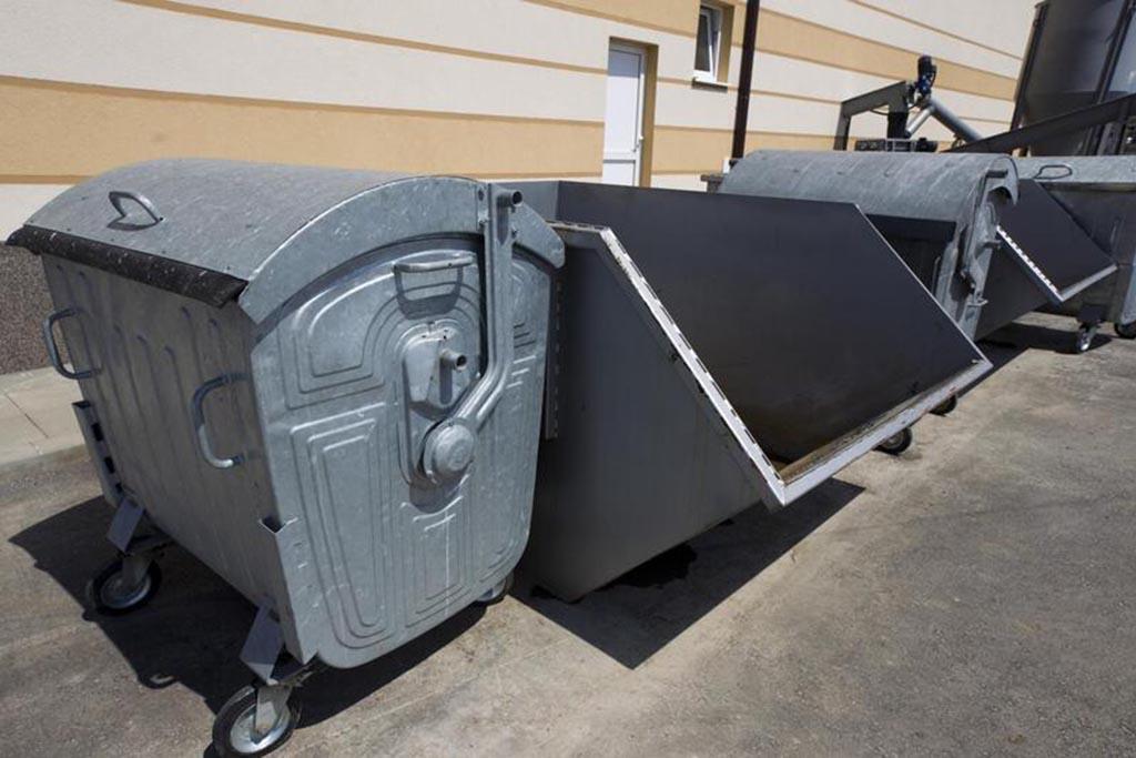Можно выбрасывать отходы после ремонта в общий контейнер