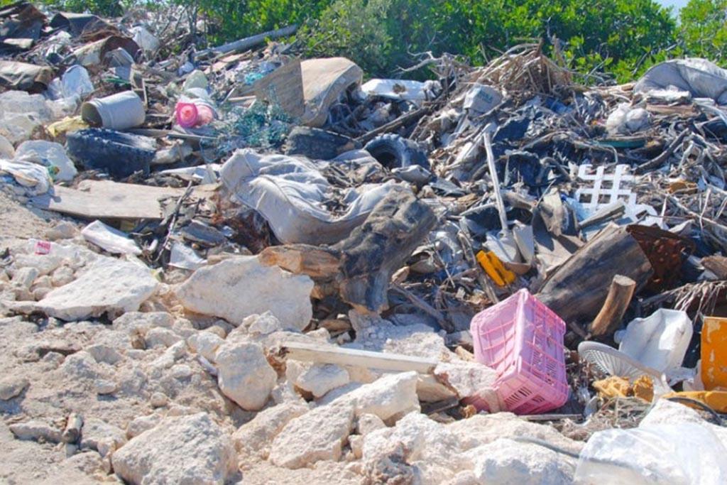Незаконная свалка отходов и строительного мусора