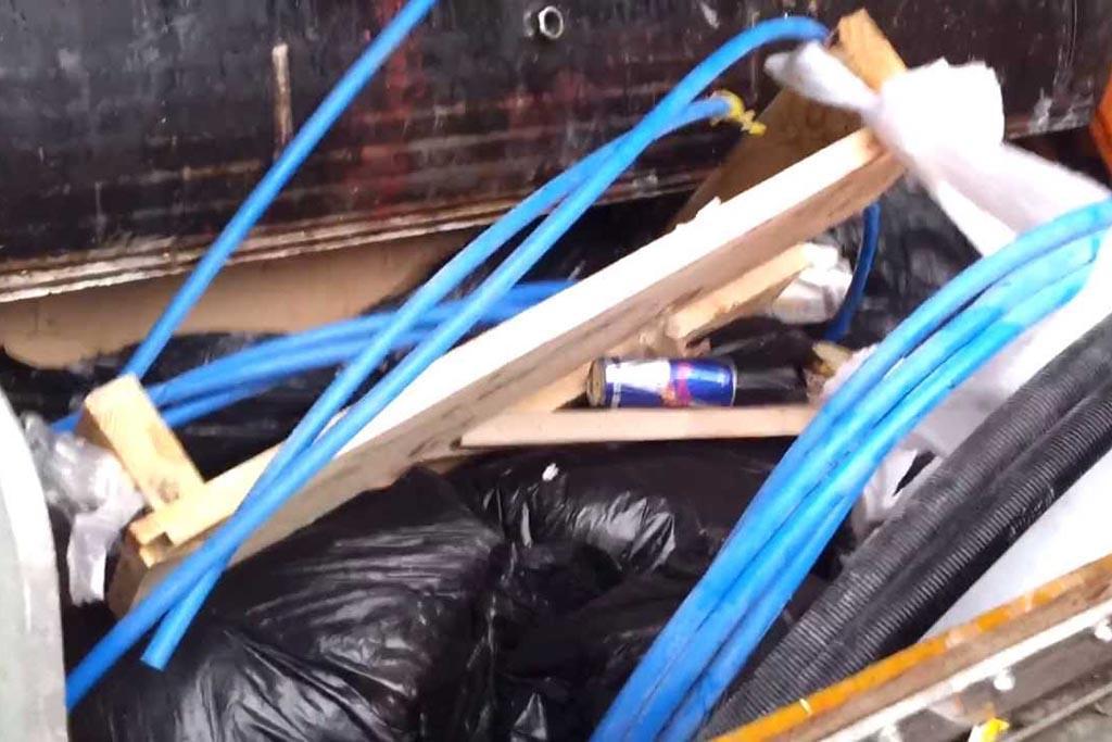 Отсутствие привычки сортировать мусор