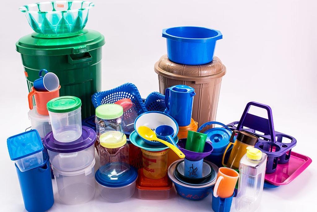 Пластик вокруг нас и прочно в нашей жизни, в быту