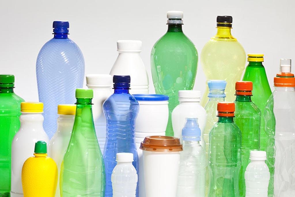 Пластиковые бутыли из ПЭТ