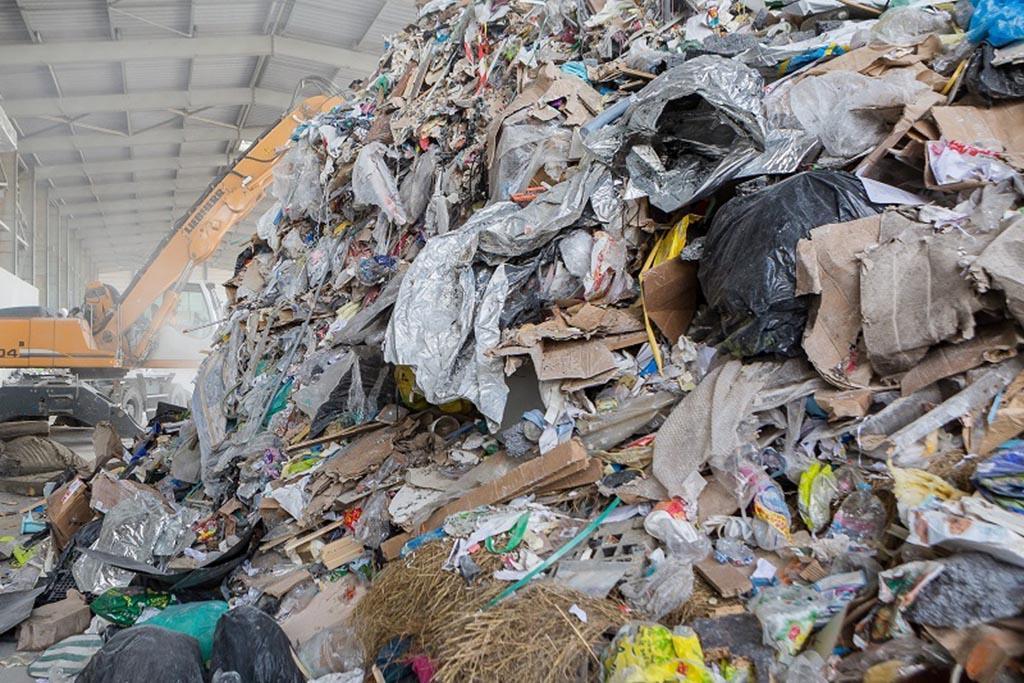ТКО имеет отношение к строительному мусору