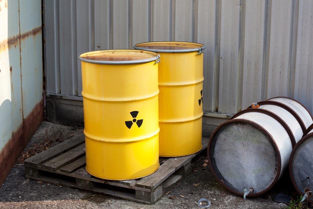 Токсичные вещества в составе промышленных отходов