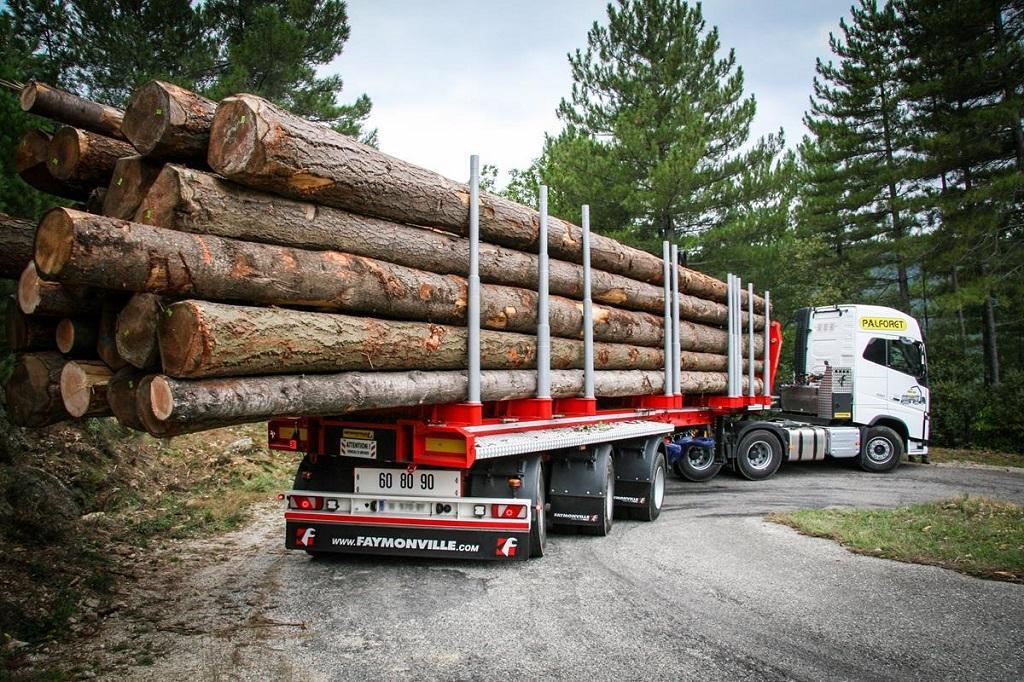 Транспорт для погрузки древесины