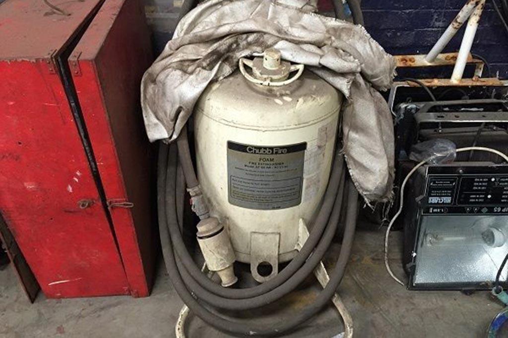 Утилизация пенных огнетушителей