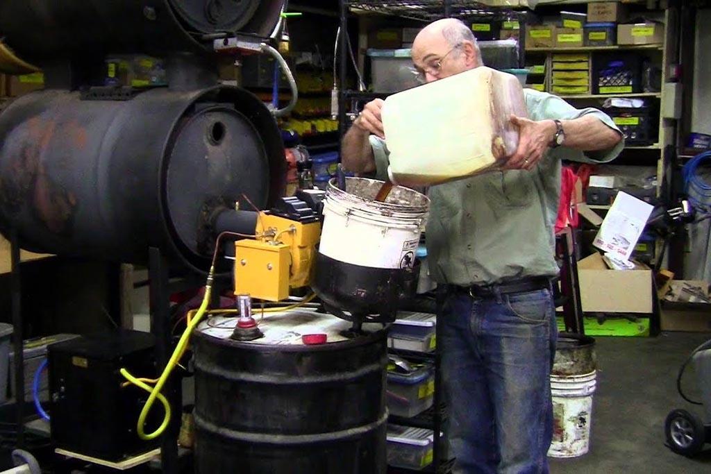Утилизация пищевого масла для получения сырья на изготовление различной продукции