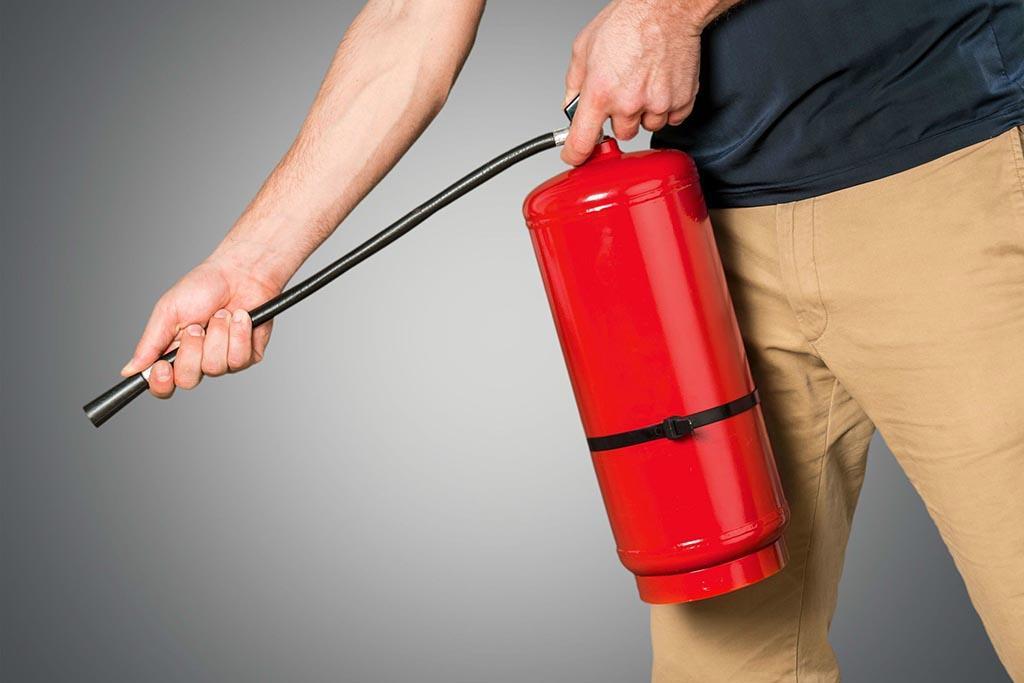 В каких случаях выполняется утилизация огнетушителей