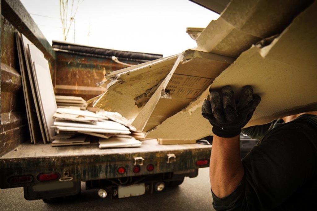 Заказ вывоза мусора специализированной компанией напрямую