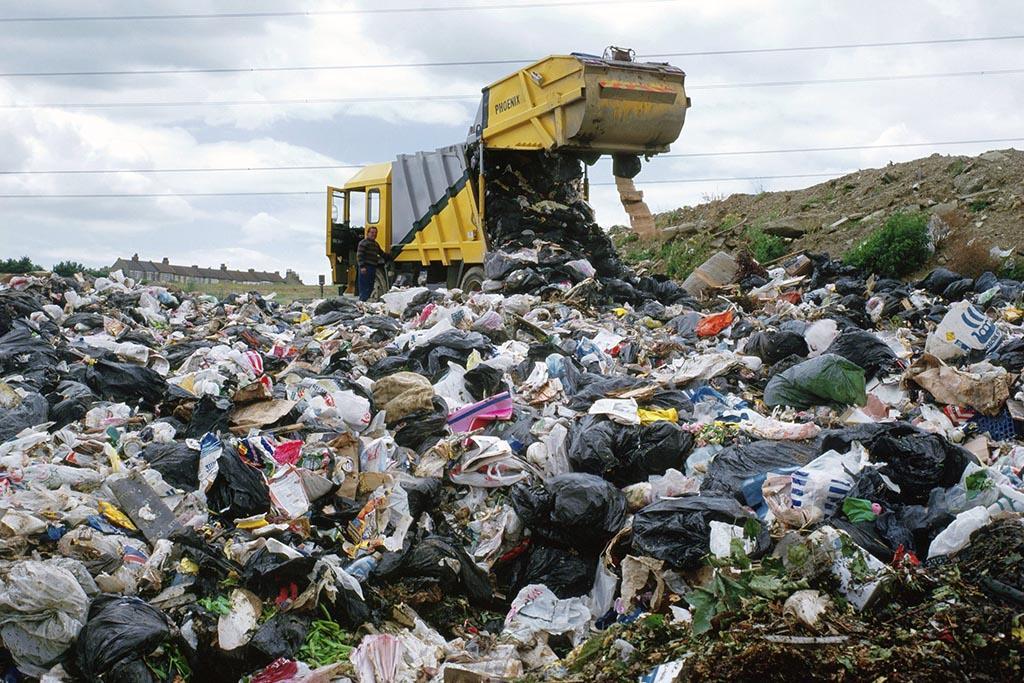 Как и где он оказывается, минуя стадию переработки или уничтожение