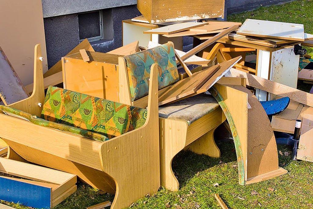Куда сдать старую мебель и получить скидку на новую
