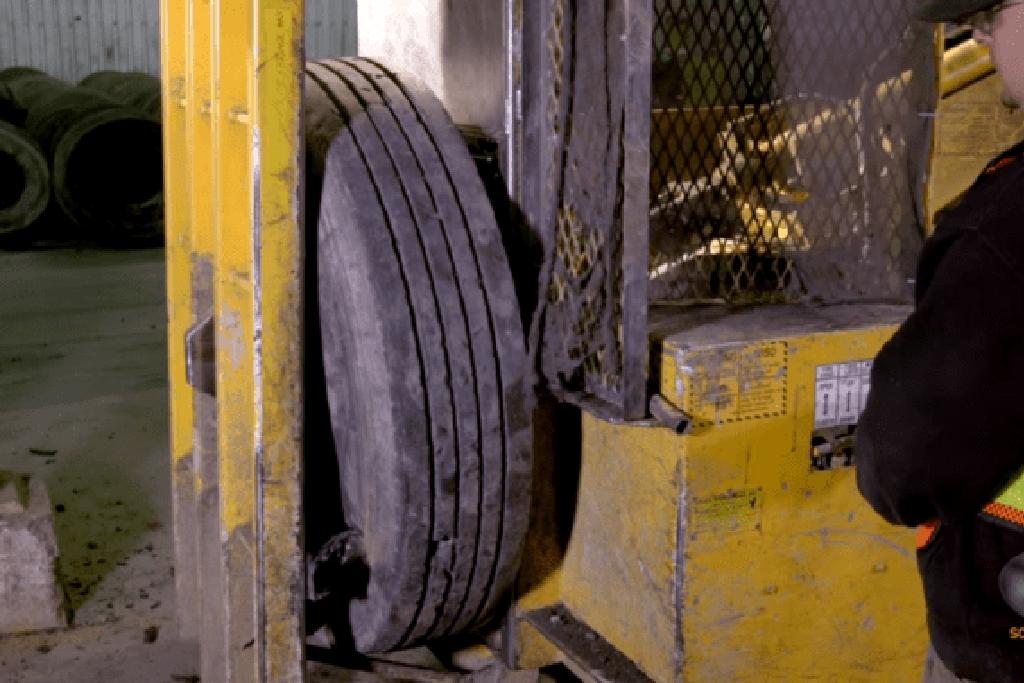 Установка для измельчения автошин и процесс обработки