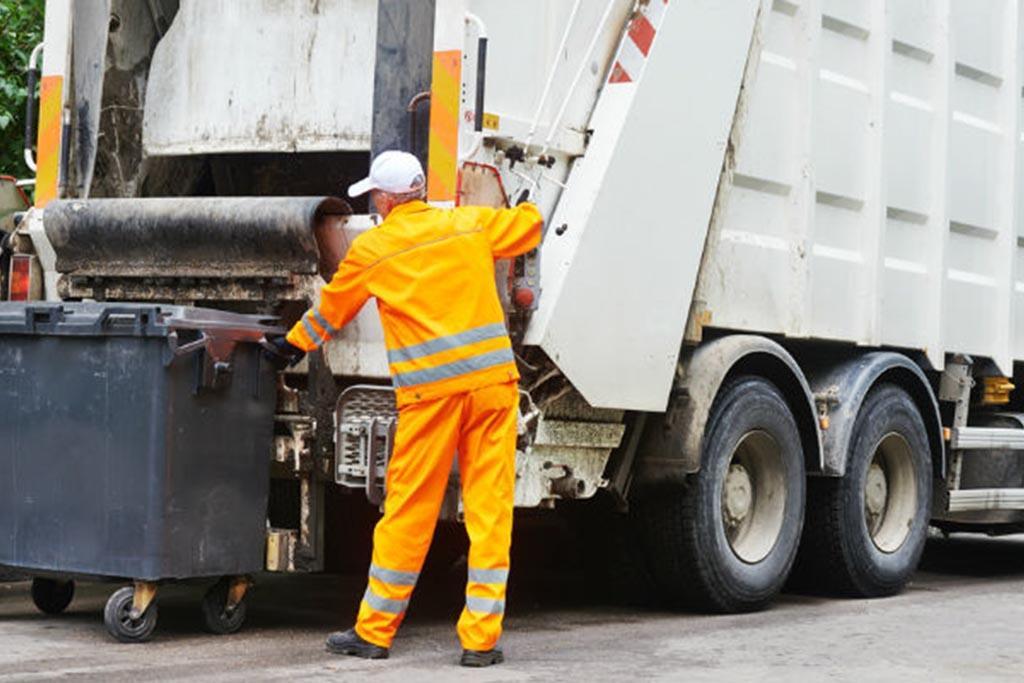 Кто осуществляет вывоз и захоронение отходов