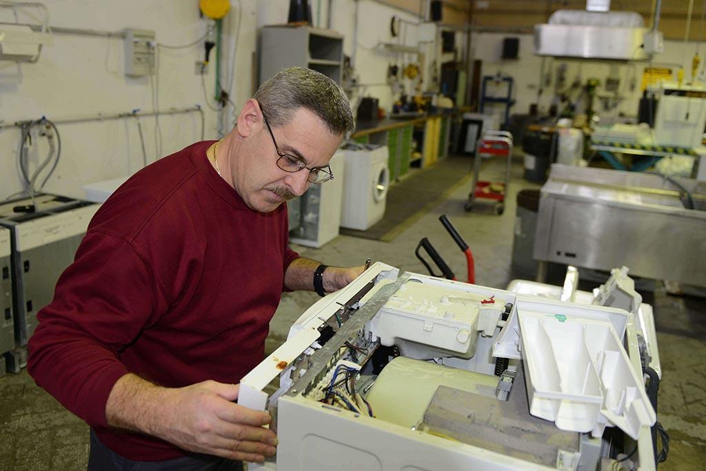 Мастерские по ремонту техники или ее утилизации