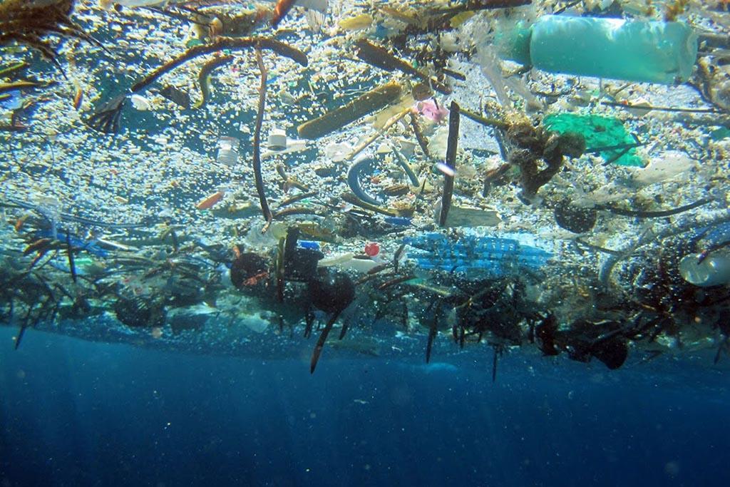 Первые упоминания о мусорном острове в 1997 году